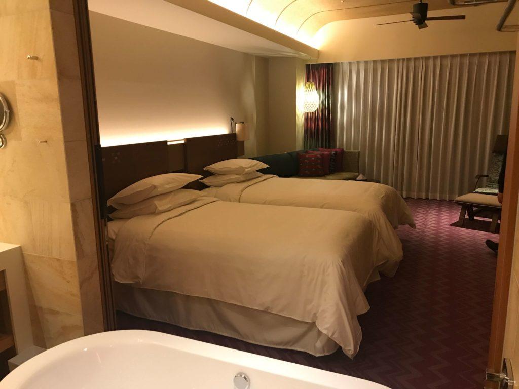 ベッドとお風呂。別角度から。