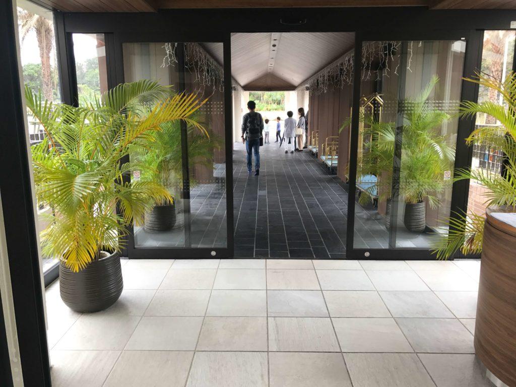 シェラトン入り口の廊下