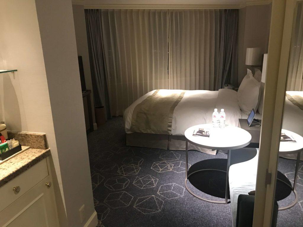 マリオットホテル、ドアを開けた画像
