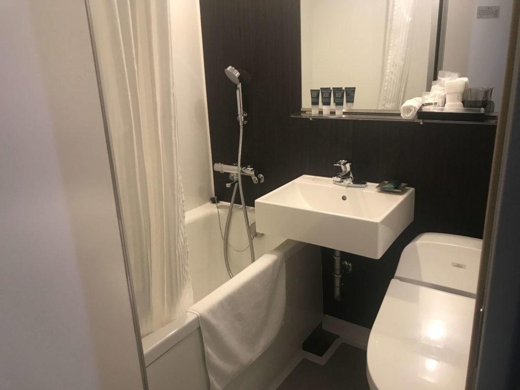 フォーポイントバイシェラトン函館。浴室&お手洗い画像。
