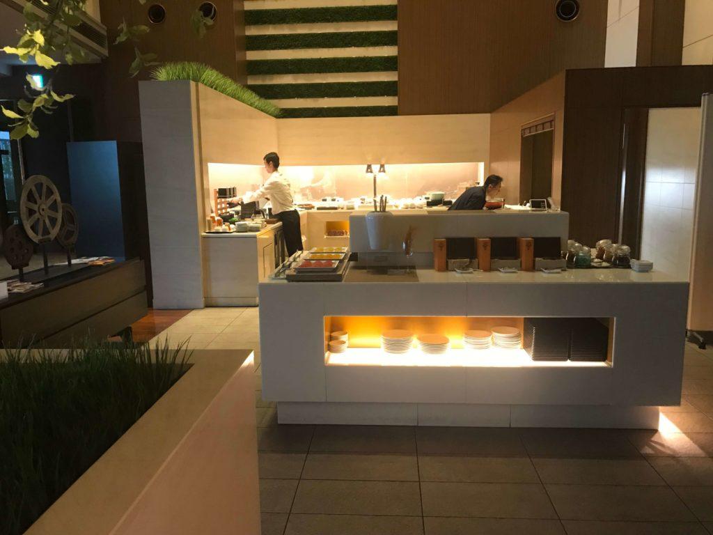 大阪マリオット都ホテル、ラウンジ内、食事