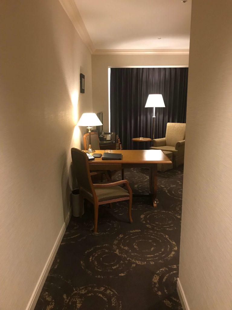 ウェスティンホテル大阪。扉を開けると。