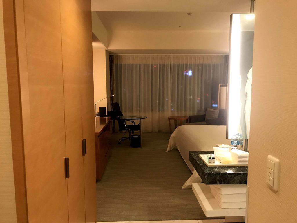 シェラトングランド広島。部屋を開けると。
