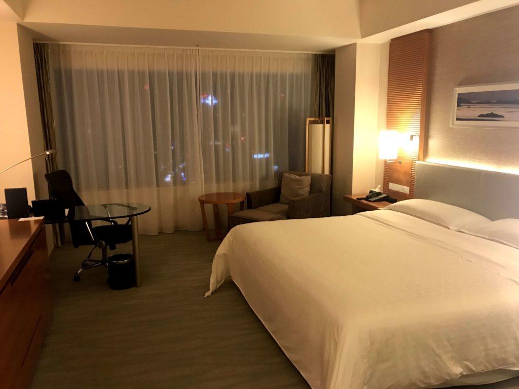 シェラトングランドホテル広島。部屋を別の角度から。
