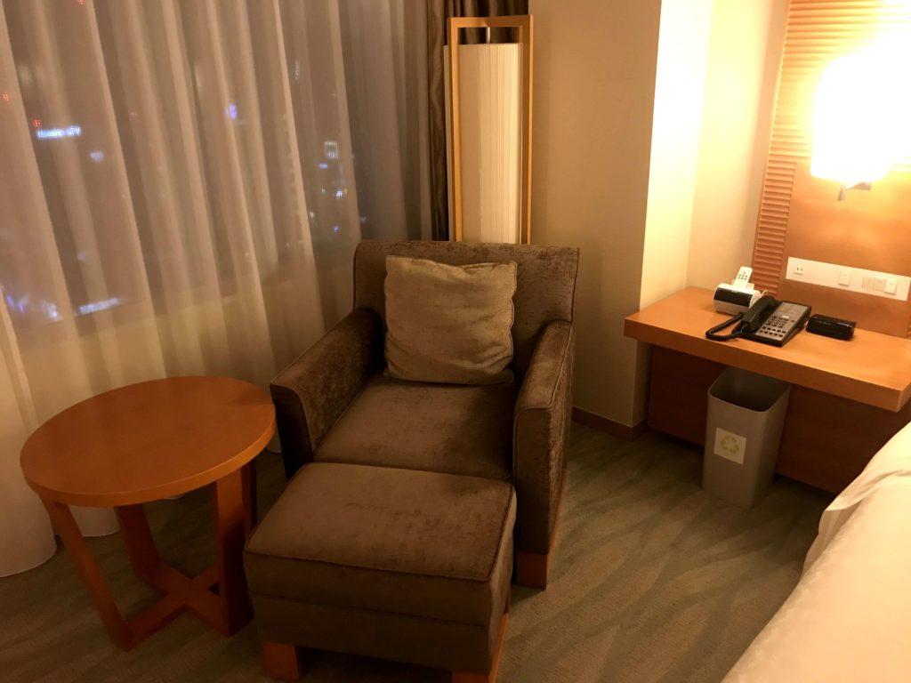 シェラトングランドホテル広島。ソファ。